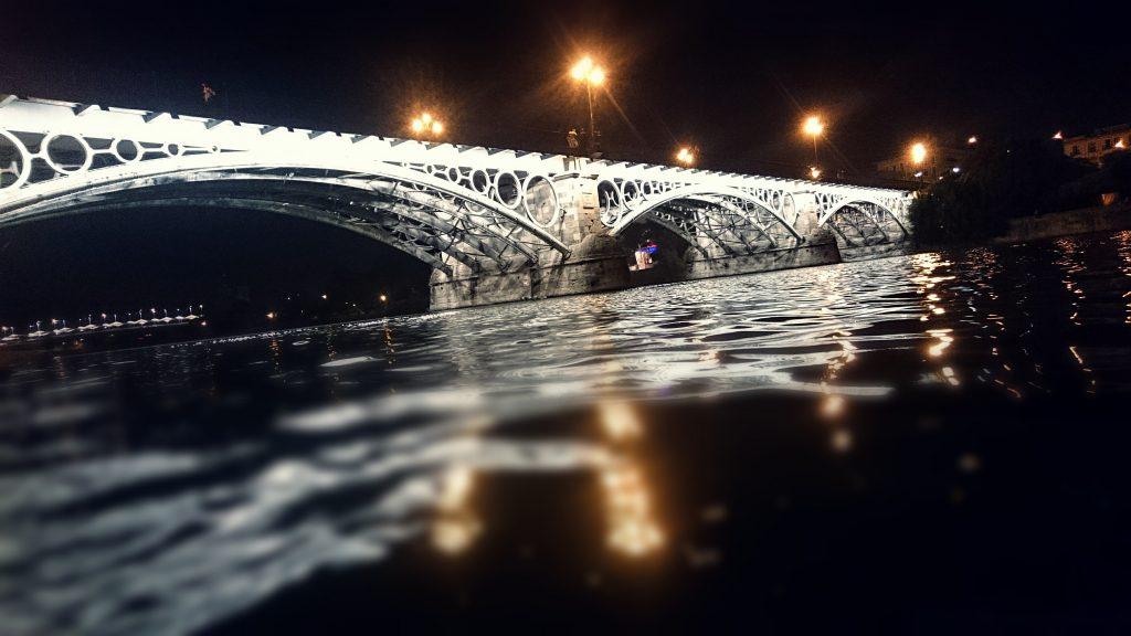 el espejo de triana el rio guadalquvir