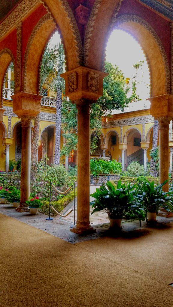 poesia efimera en palacio de duenas