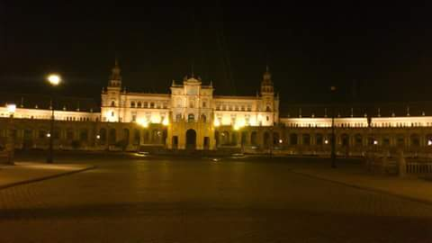 la noche en la plaza de espana